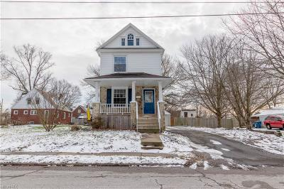 Hubbard Single Family Home For Sale: 121 Erie St