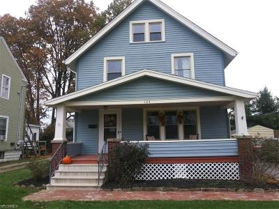 Elyria Single Family Home For Sale: 124 Harvard Ave