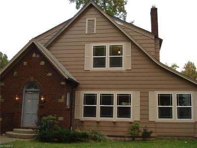 Youngstown Single Family Home For Sale: 37 Fairlawn Ave