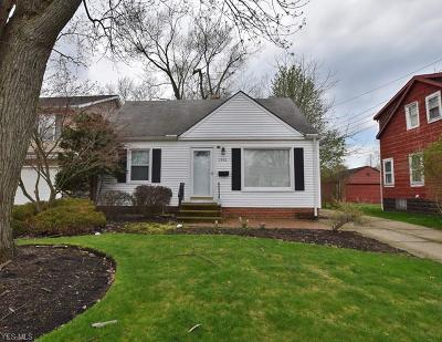 Mayfield Heights Single Family Home For Sale: 1306 Sunset Rd