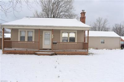 Mentor-On-The-Lake OH Single Family Home For Sale: $123,900
