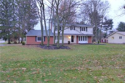 Brecksville Single Family Home For Sale: 8511 Wiese Rd