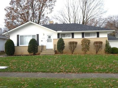 Parma Heights Single Family Home For Sale: 6316 Mariana Dr
