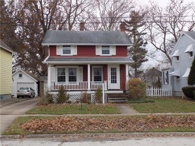 Lorain Single Family Home For Sale: 1335 West 10th St