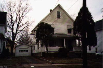 Lorain Single Family Home For Sale: 1046 Washington Ave