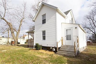 Willoughby OH Single Family Home For Sale: $119,000