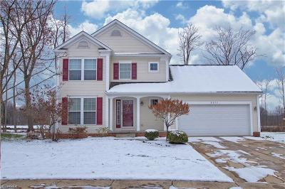 Single Family Home Sold: 8892 Oakbrook Circle