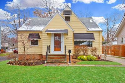 Mayfield Heights Single Family Home For Sale: 1427 Summit