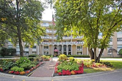 Rocky River Condo/Townhouse For Sale: 3400 Wooster Rd #312