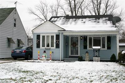 Cleveland Single Family Home For Sale: 18813 Rockland Ave