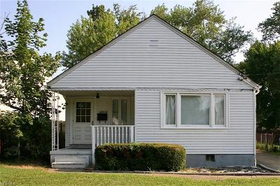 Cleveland Single Family Home For Sale: 18516 Rockland Ave