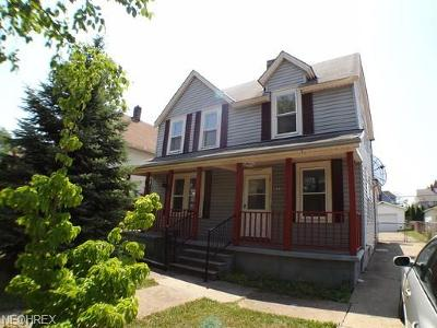 Lorain Single Family Home For Sale: 1872 East 30th St