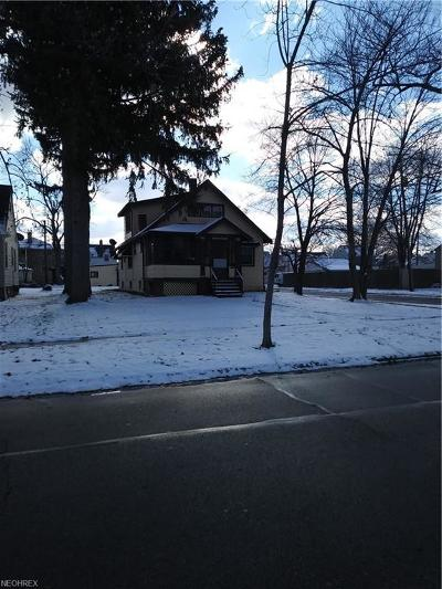 Parma Single Family Home For Sale: 4315 Forestwood Dr