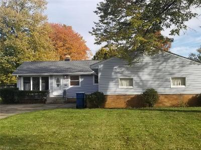 North Olmsted Single Family Home For Sale: 5655 Allendale Dr