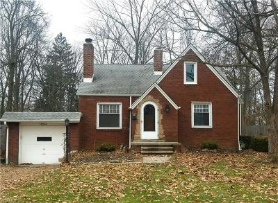Strongsville OH Single Family Home For Sale: $139,900