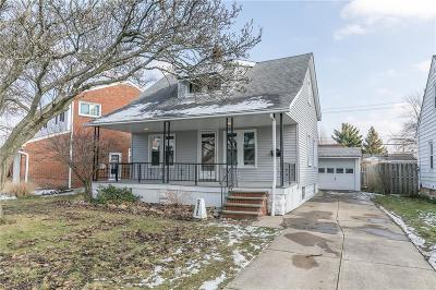 Mayfield Heights Single Family Home For Sale: 1533 Crestwood Rd