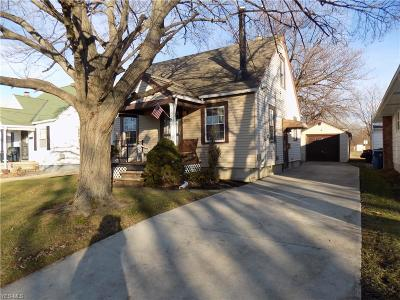 Lorain Single Family Home For Sale: 1931 Lakeview Ave