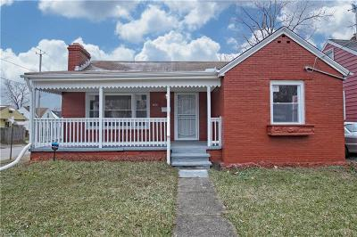 Cleveland Single Family Home For Sale: 4656 East 162 St