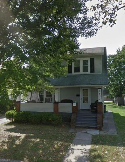 Lorain Single Family Home For Sale: 2634 Apple Ave