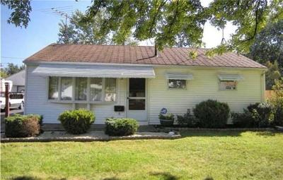 Lorain Single Family Home For Sale: 4409 Camden Ave