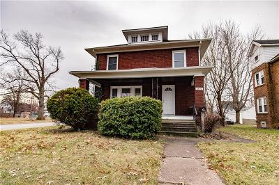 Lorain Single Family Home For Sale: 1892 East 33rd St