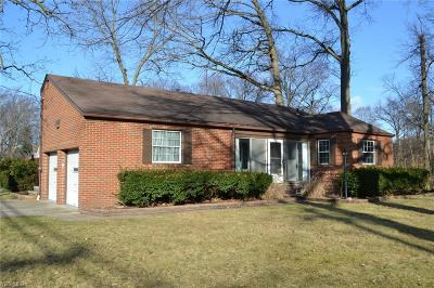 Single Family Home For Sale: 26264 Hilliard Blvd