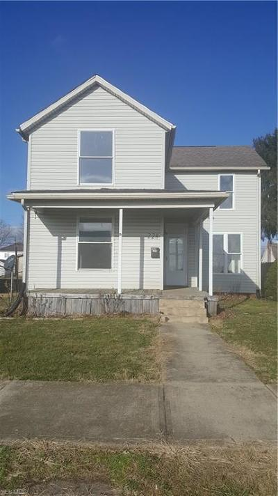 Byesville Single Family Home For Sale: 228 High Ave