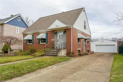 Elyria Single Family Home For Sale: 209 Longfellow St