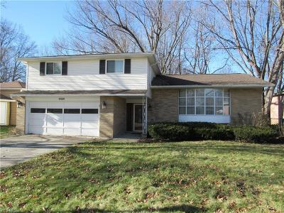 North Olmsted Single Family Home For Sale: 6328 Somerset Dr