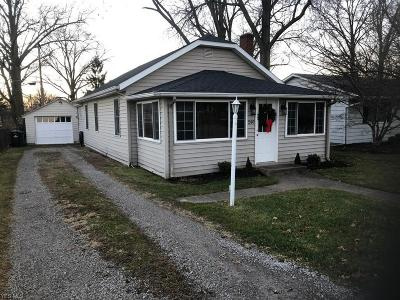 Vermilion OH Single Family Home For Sale: $109,000
