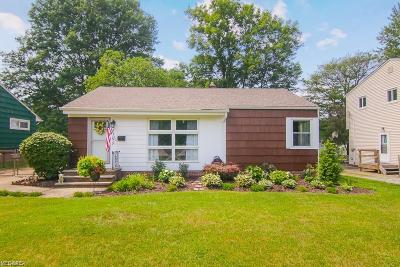 Willoughby Single Family Home For Sale: 5398 Harmony Ln