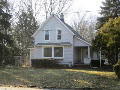 Elyria Single Family Home For Sale: 1641 Grafton Rd