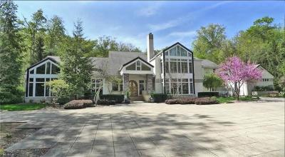 Cuyahoga County Single Family Home For Sale: 6785 Gates Mills Blvd