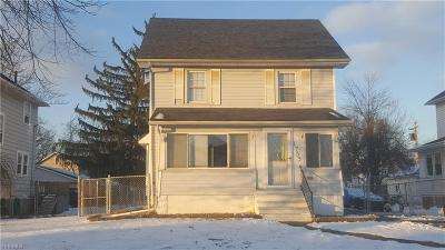 Lorain Single Family Home For Sale: 1753 East 34th St