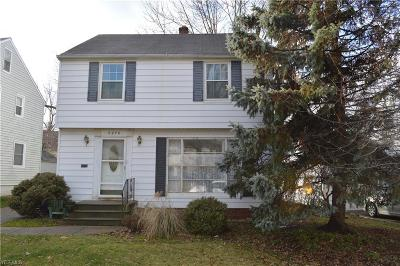 Parma Heights Single Family Home For Sale: 6070 Maplecliff Dr