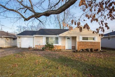 Lorain County Single Family Home For Sale: 821 Lake Breeze Rd