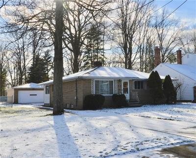 North Olmsted Single Family Home For Sale: 24279 Beech Ln