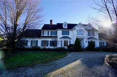 Cuyahoga County Single Family Home For Sale: 7060 Gates Rd