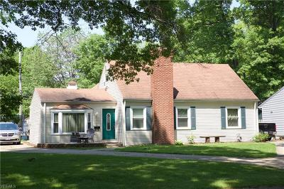 Avon, Avon Lake Single Family Home For Sale: 318 Bellaire Rd