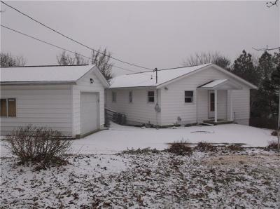 Zanesville Single Family Home For Sale: 2499 Highland Rd