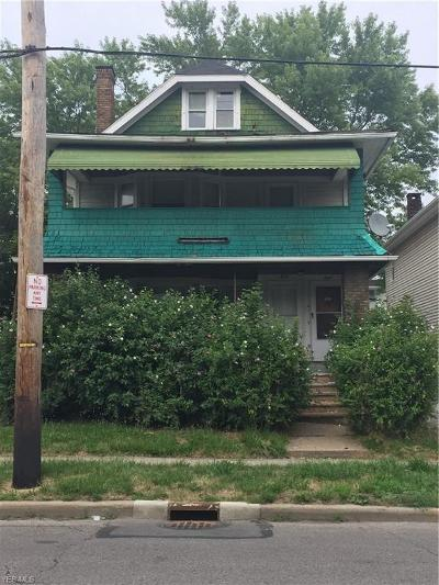 Cleveland Multi Family Home For Sale: 955 Eddy Rd