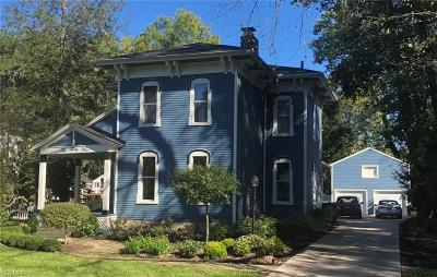 Chagrin Falls Single Family Home For Sale: 249 South Franklin St
