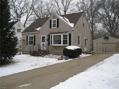 Avon, Avon Lake Single Family Home For Sale: 212 Inwood Blvd