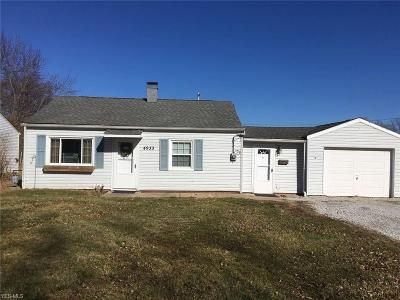 Mentor Single Family Home For Sale: 4933 Forest Rd