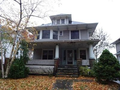 Cleveland Single Family Home For Sale: 2128 West Blvd
