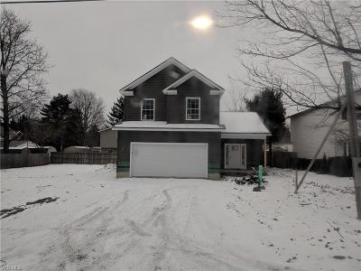 Lake County Single Family Home For Sale: 7071 Victoria Dr