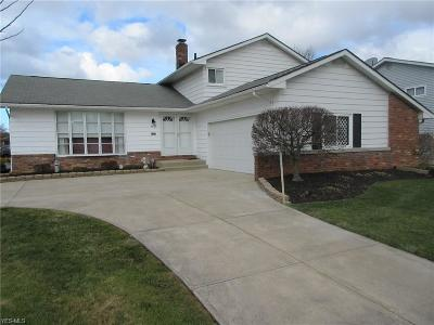 Mayfield Heights Single Family Home For Sale: 5891 Cantwell Dr