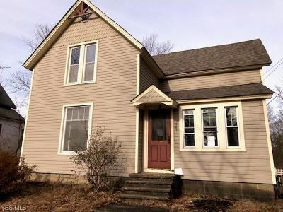 Chardon Single Family Home For Sale: 441 North Hambden St