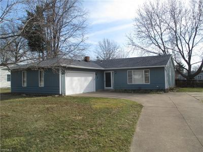 Mentor OH Single Family Home For Sale: $165,999