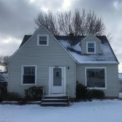 Cuyahoga County Single Family Home For Sale: 5707 Snow Rd